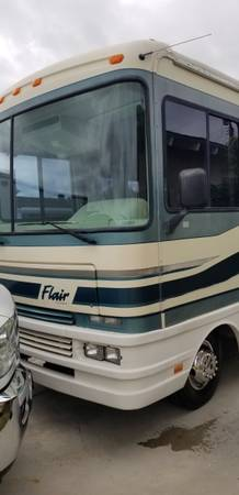 Photo 1996 Fleetwood Flair 31 foot - $11,500 (Westminster)