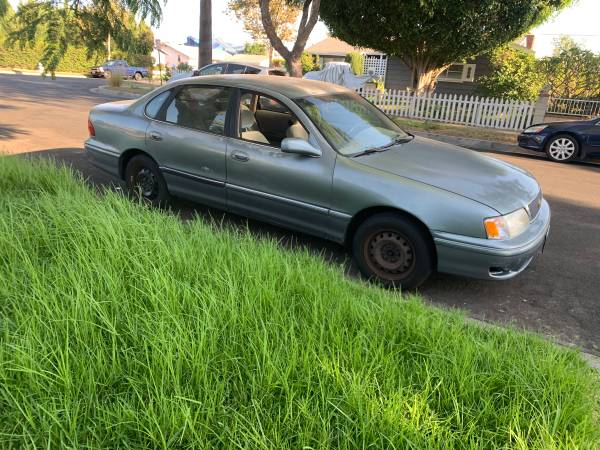 Photo 1998 Toyota Avalon - $1,900 (Santa Ana)