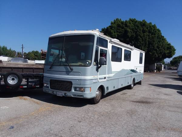 Photo 2000 Fleetwood Southwind 32V - $22,250 (Fountain Valley)