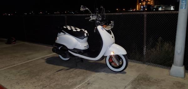 Photo 2005 Yamaha Vino 125 - Super clean - $2,500 (Garden Grove)