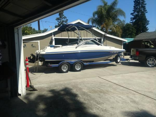 Photo 2007 tracker Tahoe 216 deck boat - $19,000 (Newport Beach)