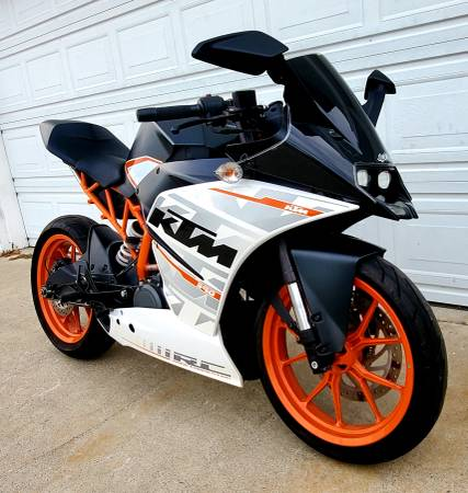 Photo 2015 KTM RC390 - 8k Original Miles - Clean CA Title In Hand - $3,800 (Fountain Valley)