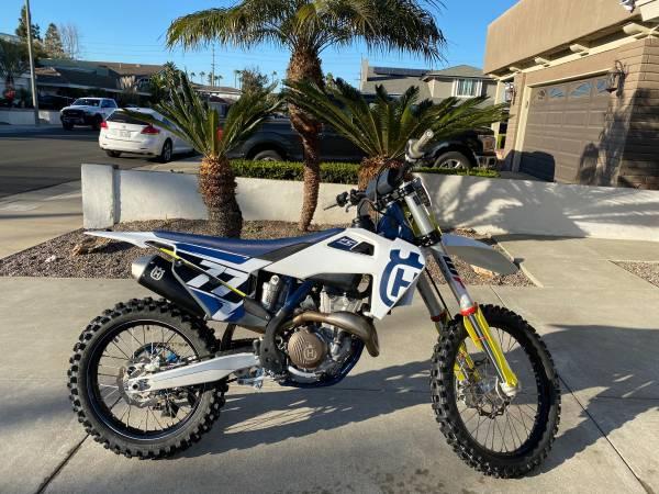 Photo 2020 Husqvarna FC 350 - $7,500 (Huntington Beach)