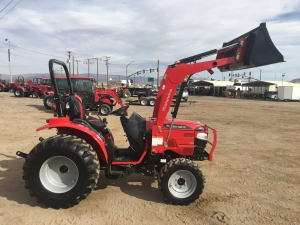 Photo 26 Horsepower 4WD Mahindra Tractor  Loader 1626 TL Year 2020 - $341 (Ridgecrest, California)