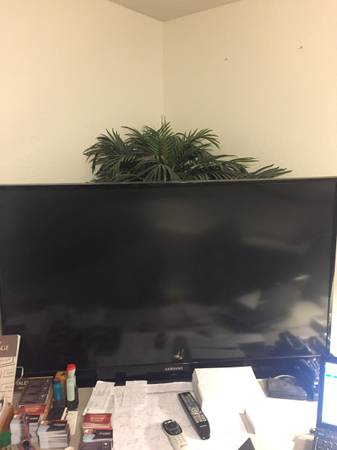 Photo 61quot Samsung HL61A750 HDTV delicately used $59 value - $59 (huntington beach warner and bolsa chica)