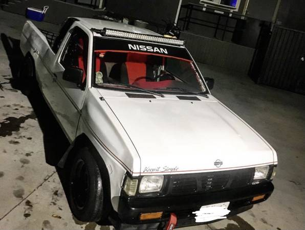 Photo 97 NISSAN HARDBODY MINI TRUCK - $2,000 (Anaheim)