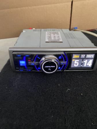 Photo ALPINE iDA-X305S Digital Media Car Audio Receiver - $400 (Orange)