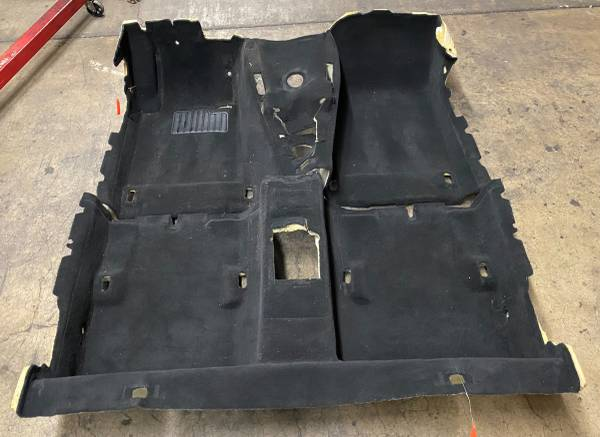Photo BMW E46 Black Floor Carpet M3 330ci 325ci - $199