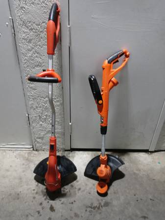 Black and Decker 14quot Electric Trimmer Edgers - $15 (Anaheim)