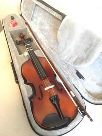Photo Cecilio Mendini MV300 12 Violin w Case, Shoulder Rest, Bow, Rosin - $50 (Costa Mesa)