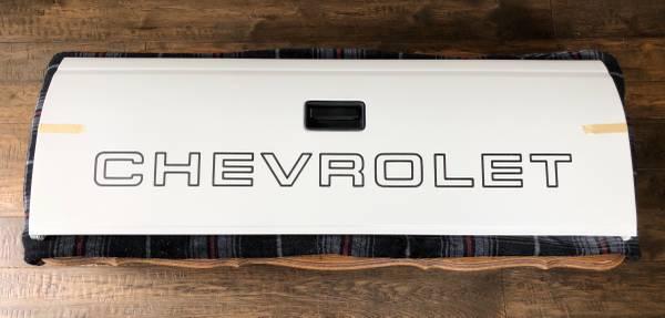 Photo Chevrolet GMC Truck Tailgate C  K Classic body - $425 (Long Beach)