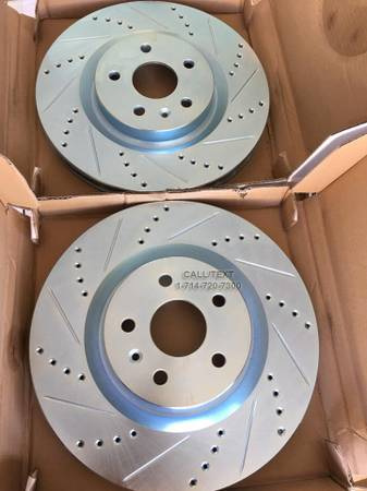 Photo DRILLEDSLOTTED BRAKE ROTORS  PADS 4 ALL LEXUS, MAZDA  TOYOTA MODELS - $1 (BRAKES ALSO AVAILABLE 4 ALL OTHER MODELS)