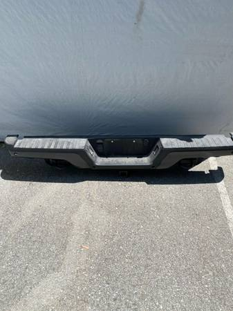 Photo Ford Raptor Gen 2 rear bumper wheels - $375