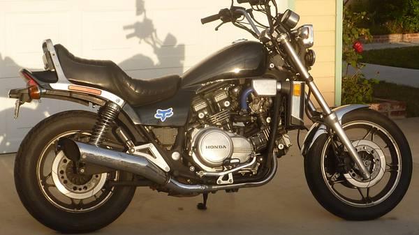 Photo Honda V65 1100 - $2,500 (Huntington Beach)