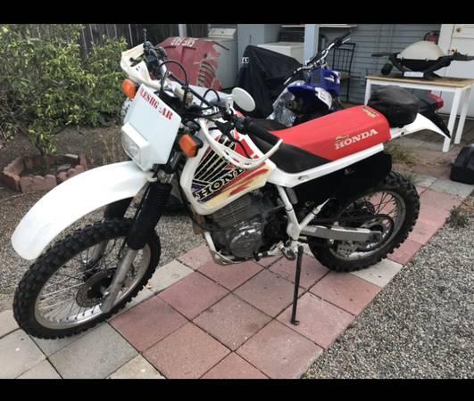 Photo Honda XR 600............street legal ca....... - $2600