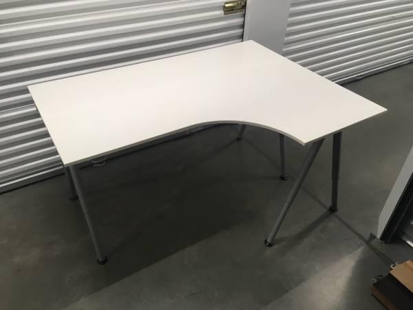 Photo IKEA GALANT CORNER DESK (WHITE) - $90 (Irvine)