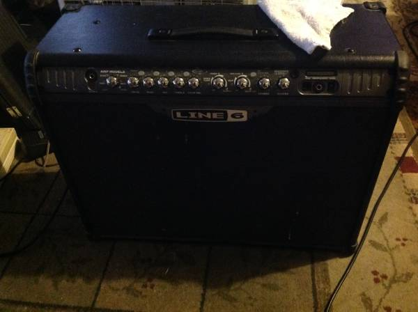 Photo LINE 6 2X12 SPIDER 3 GUITAR AMP - $140 (WILMINGTON)