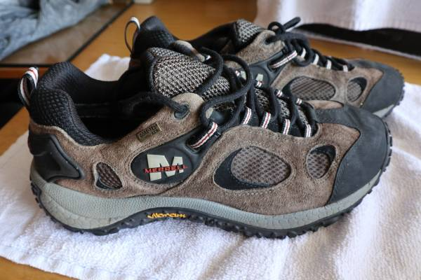 Photo Merrell Chameleon Wrap Gore-Tex XCR Cross-Training Shoes. Mens Size 13 - $75 (Huntington Beach)