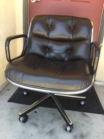 Photo Mid Century Knoll leather chairs in excellent condition was $2.5K each (Fountain Valley)
