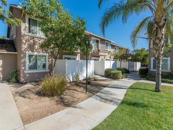 Photo Move In With WD in Unit - Newly Renovated Apartment (Moreno Valley, Ca)
