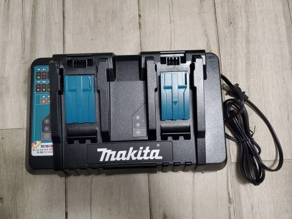 Photo New Makita 18-Volt LXT Lithium-Ion Dual Port Rapid Battery Charger - $70 (Stanton)