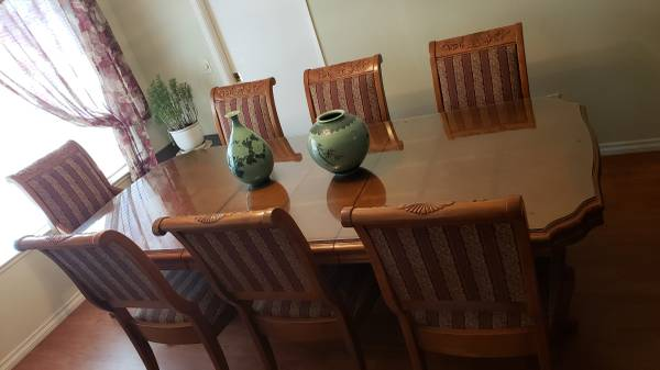 Photo OAK Dining Table  8 Chairs - $300 (Placentia)