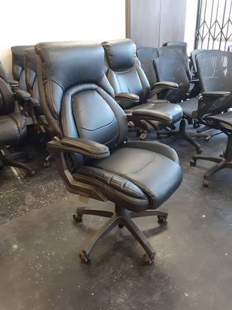 Photo OFFICE CHAIRS FOR SALE - $149 (Lake Forest)