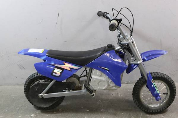 Photo RAZOR MX350 POCKET DIRT BIKE WORKS GREAT STRONG BATTERY  MOTOR - $140 (OFF THE 55 FREEWAY  MACARTHUR BLVD)