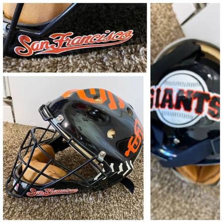 Photo San Francisco giants professional quality catchers mask.GREAT shape. Great gift