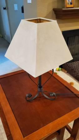 Photo Small Wrought Iron Table L - $15 (Mission Viejo)
