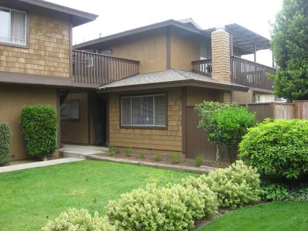 Photo Spacious 2bed1car garage condo for rent (East Costa Mesa) (East Costa Mesa)