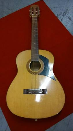 Photo Teisco Checkmate G 116 Vintage Classical Nylon String Guitar - $350