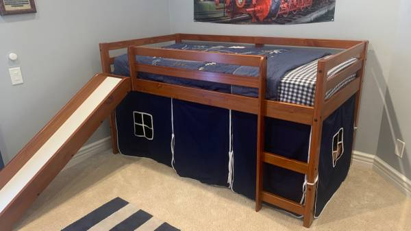 Photo Twin Low Loft Bed with Slidw in Brown with Blue Tent Kit - Like New - $225 (Trabuco Canyon)