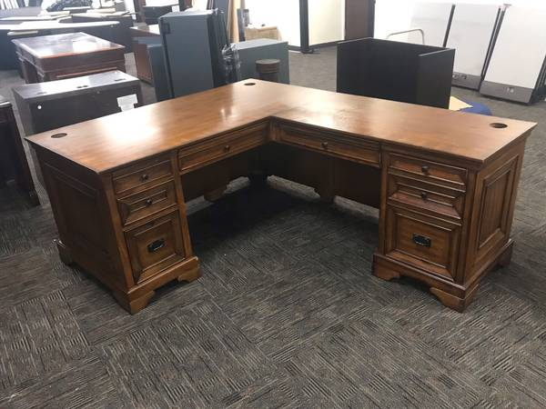 Photo Used Office Furniture  Chairs  Desks  Cabinets  Tables  Cubicles - $1 (Long Beach)
