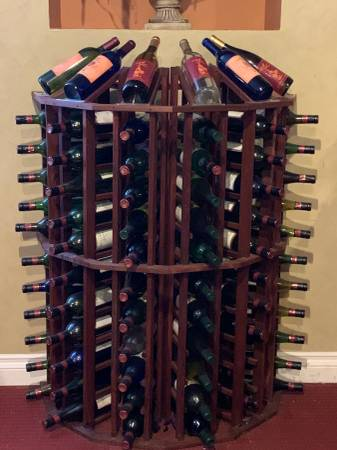 Photo Venue Moving Sale ( Wine AccessoriesCatering) (Lake Forest)