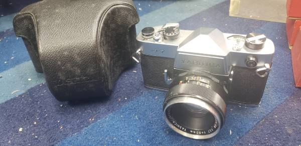 Photo Vintage 1960s Yashica J-7 35mm Film Camera in Case - $50 (Garden Grove)