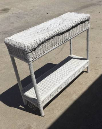 Photo White Wicker table Entry table Console table 36.12Wx12Dx30.12H - $45 (Huntington Beach)