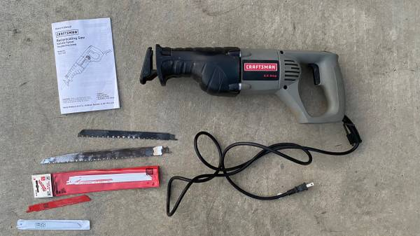 Photo craftsman reciprocating saw 8.0 Amps - $55