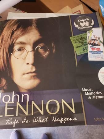 Photo john lennon book $10 - $10 (Fullerton)
