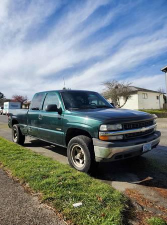 Photo 2002 Chevy Silverado 4x4 - $2500 (Northbend)