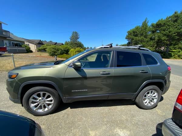 Photo 2019 Jeep Cherokee - $21,000 (Pacific Co. Washington)