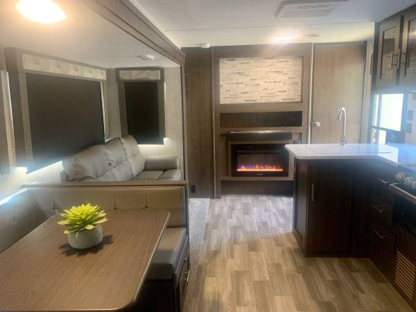 Photo 2020 Forest river Wildwood T28ckds Travel Trailer - $36,000 (Coquille, OR)