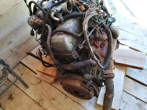 Photo 2.3 fuel injected ford motor - $300 (Coquille)