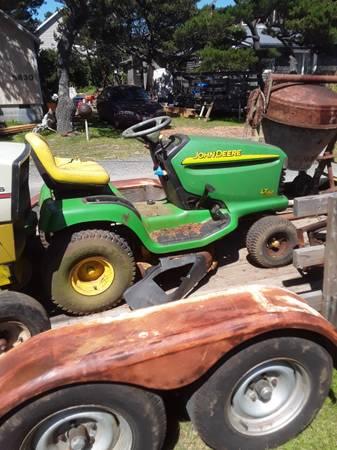Photo 3 John Deere tractors - $400 (Tierra del Mar)