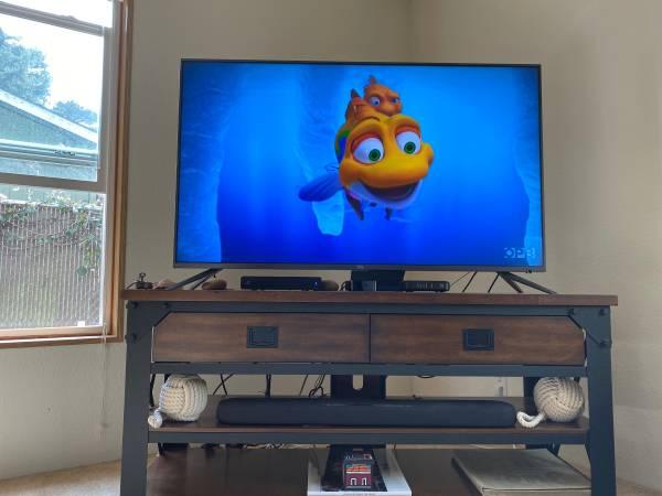 Photo Big Screen TV - $150 (Newport)