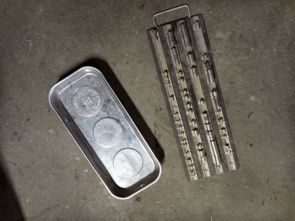Photo Blue point socket rail and large magnetic tray - $35 (Coos)