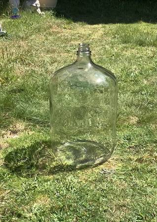 Photo Extra Large 6.5 Gallon Glass CarboyJug - $45 (Coos bay)