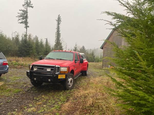 Photo F550 4WD Ford Dually Pickup - Dump Bed - $14,000 (Portland - Tillamook)