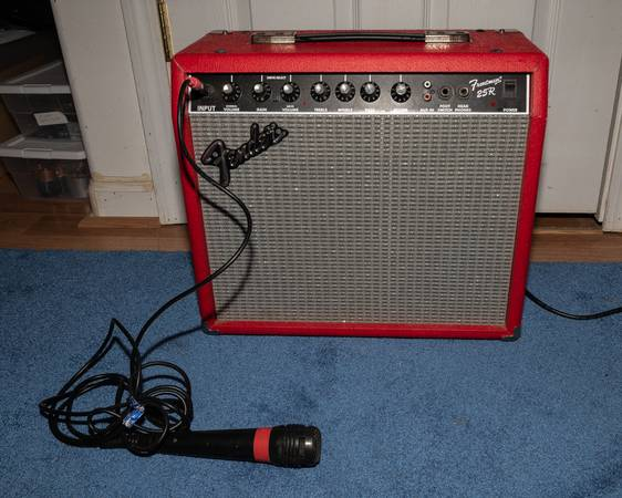 Photo FENDER FRONTMAN 25R GUITAR AMPLIFIER AMP RED W MIC TESTED WORKING - $60 (Lincoln City (near Outlet Center))