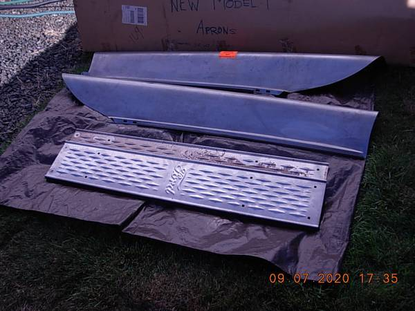 Photo FORD MODEL T Running Boards  Splash Aprons - $210 (LAKESIDE (NEAR COOS BAY))